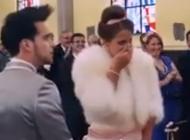 Il fait une surprise à sa soeur pour son mariage