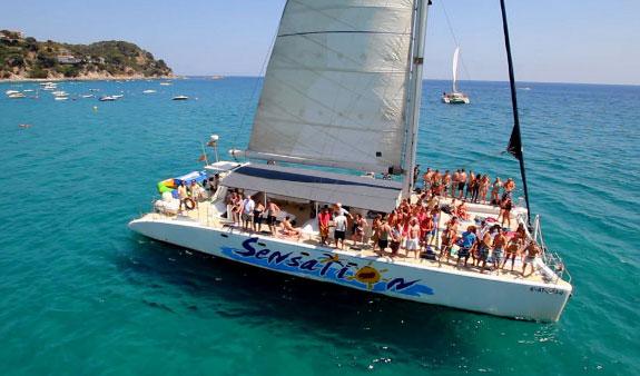 catamaran party evg barcelone