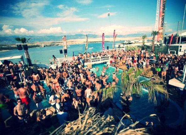 enterrement de vie de jeune fille à Ibiza